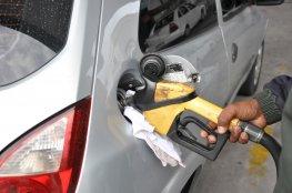 Gasolina custará R$ 2,239 no Dia da Liberdade de Impostos na Capital
