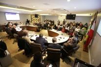 CDL de Florianópolis é homenageada na reunião de diretoria da ACIF
